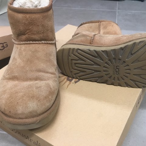 ugg bassi color cammello