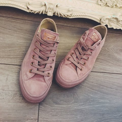 e1787e4cce6 PRICE DROP Suede pink converse with rose gold logo. With - Depop