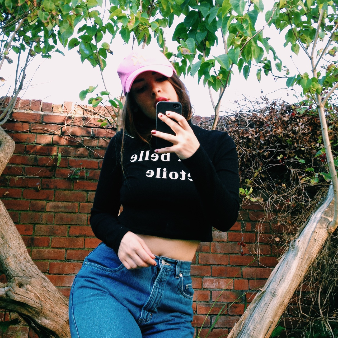 Black And White French Saying Crop Top A La Belle Depop