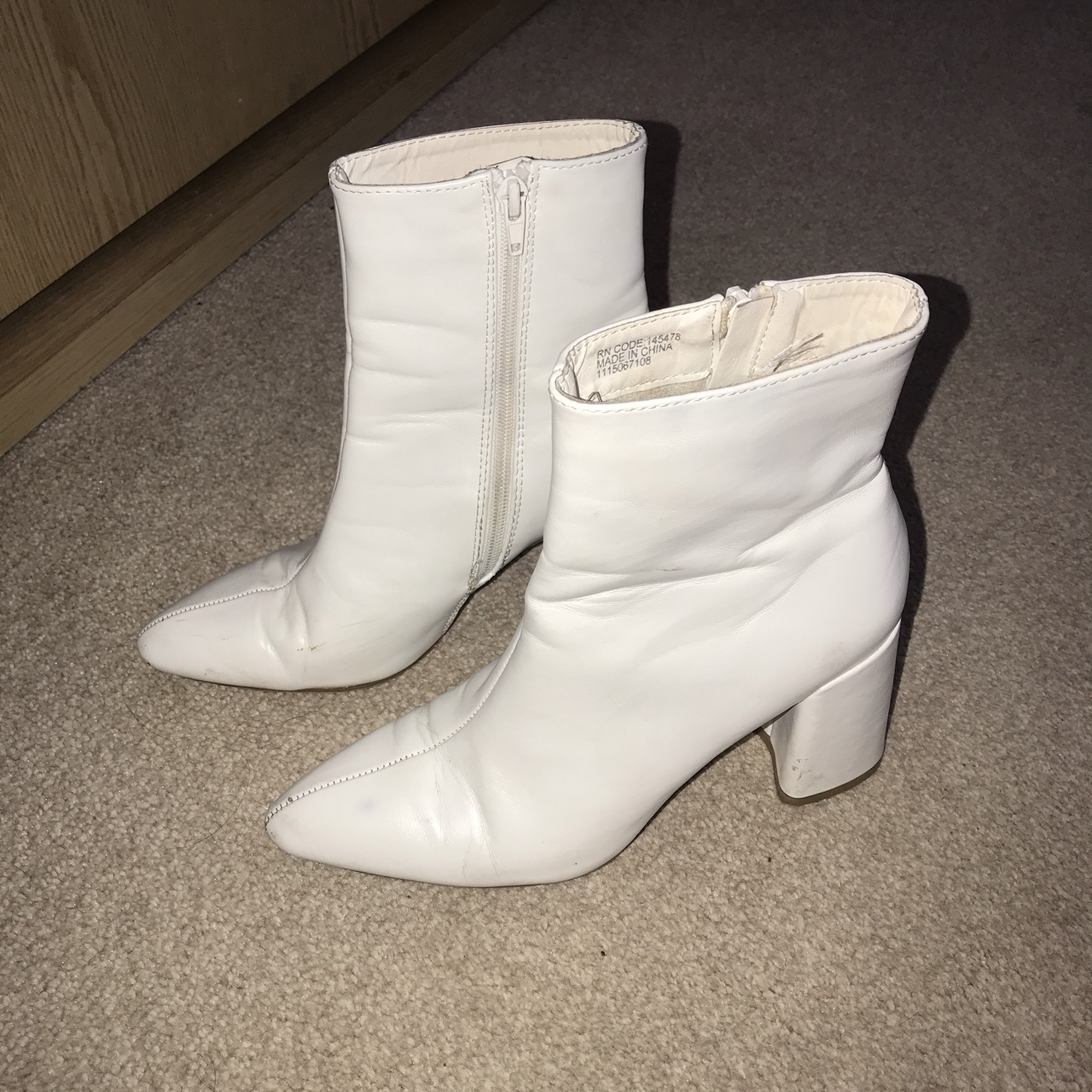 White ankle boots size 4 sooo nice on