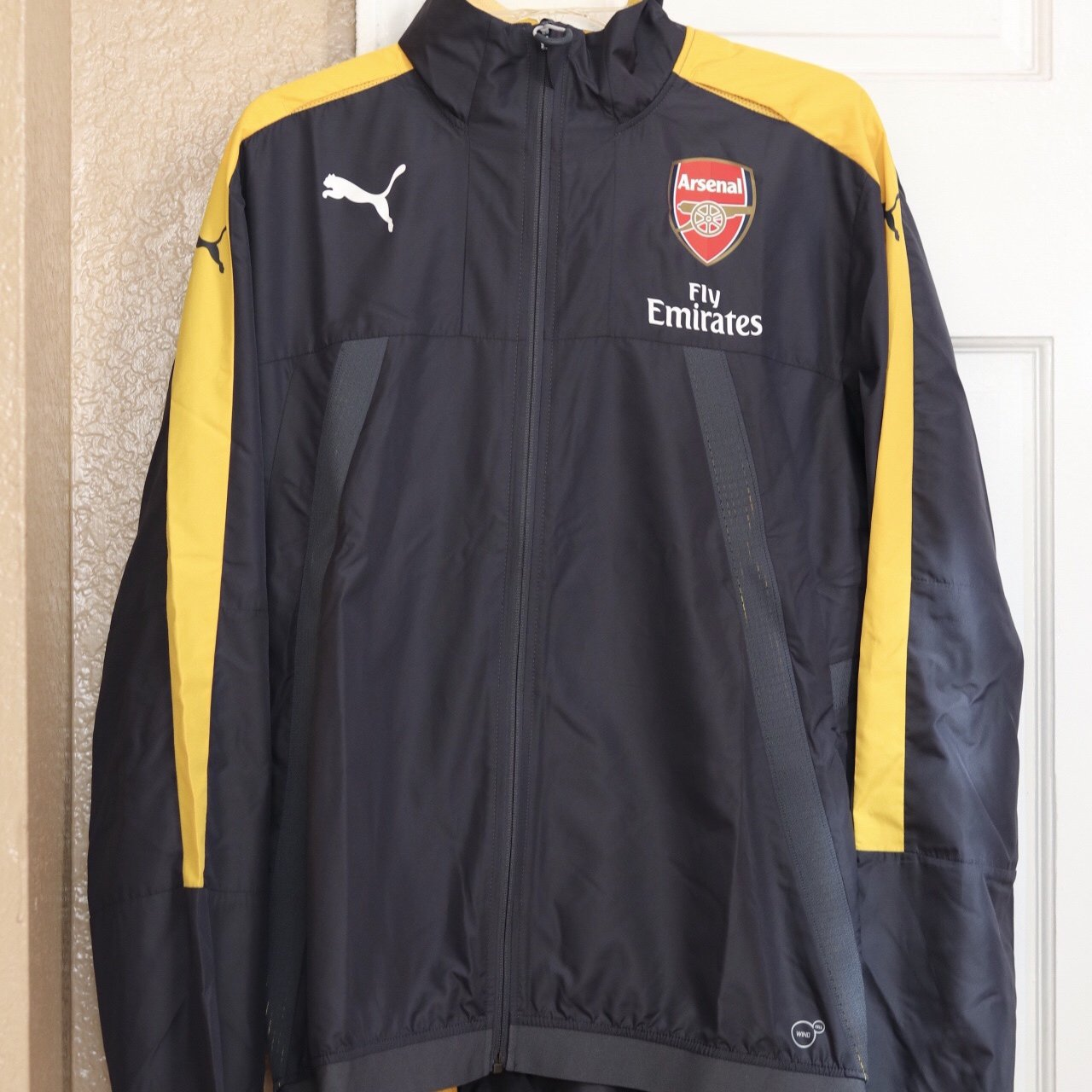 09c09bbad28e Super dope Arsenal Puma Training Stadium Vent Jacket - gray - Depop