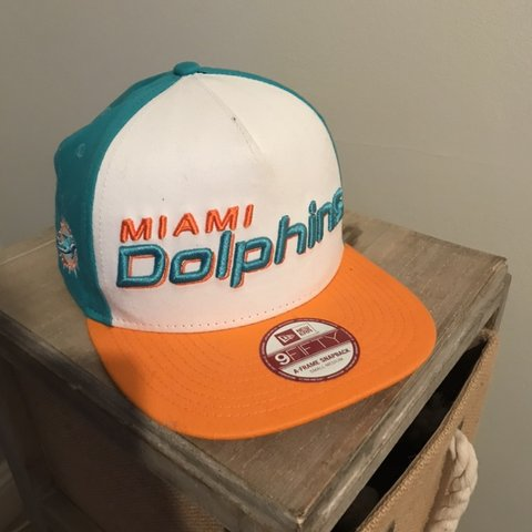 e6148c227beeb NEW ERA Miami Dolphins SnapBack Worn a handful of times