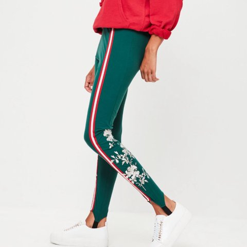 87596e87edb Gucci Style Green Embroidered Stirrup Leggings with red with - Depop