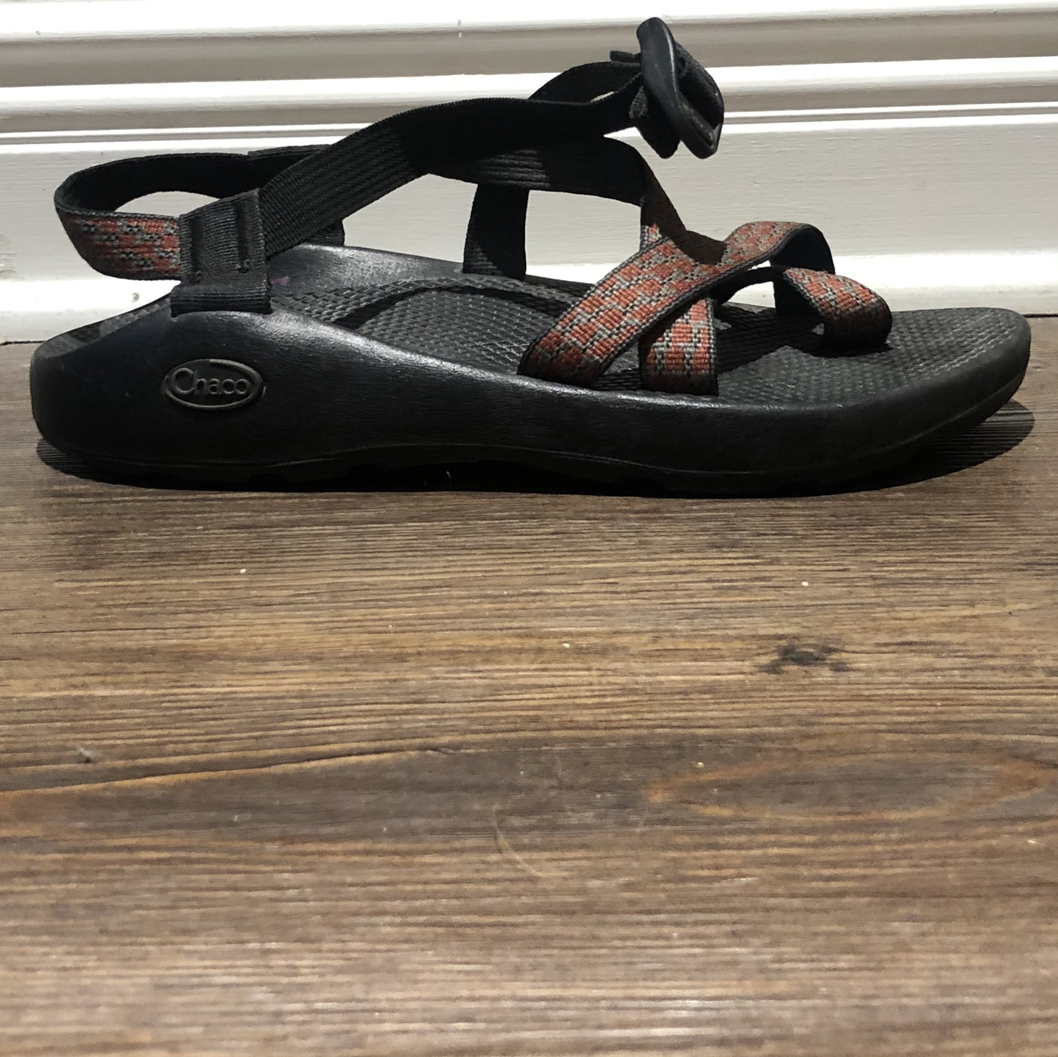 Men's Chaco Sandals Size US 8. Red