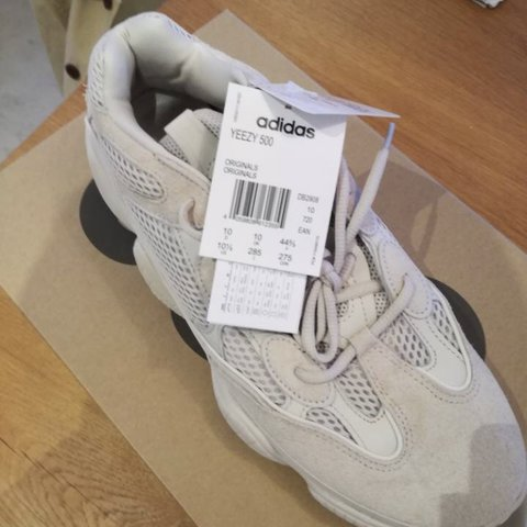 7ee633ce805 Adidas Yeezy desert rat 500 blush Will ship next day Size - Depop