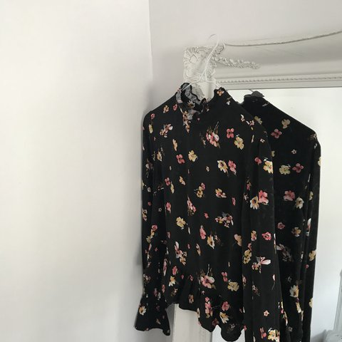8f6e94449416e Topshop floral blouse with ruffle sleeves and high neck worn - Depop