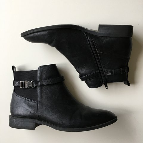 aeb6a2342448 Black winter boots from M S. in good condition although worn - Depop
