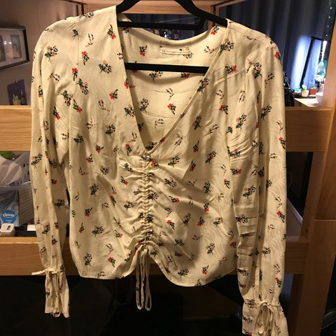 Floral Top With A Sinch Cord From Urban Outfitters Worn