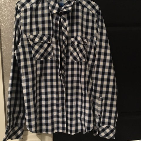 95582c837fce  fran tres. 3 hours ago. United Kingdom. Men s Ted Baker Checked Navy Shirt  Size 4 (Size L)