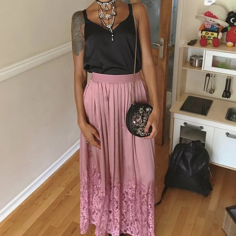 184fc1514 Pink pleated maxi skirt, worn once. Amazing condition. - Depop