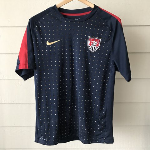 6e2275240 Nike USA Soccer Jersey Like New! - Depop