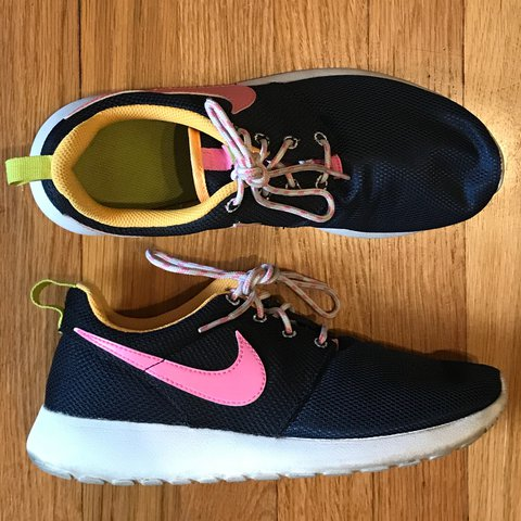 072946c59e1a Nike roshe run navy blue and pink sneakers. In great Has in - Depop