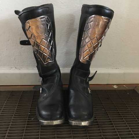 34451708e5 Vintage Hi-Point Alpinestars perfectly worn in amazing too a - Depop