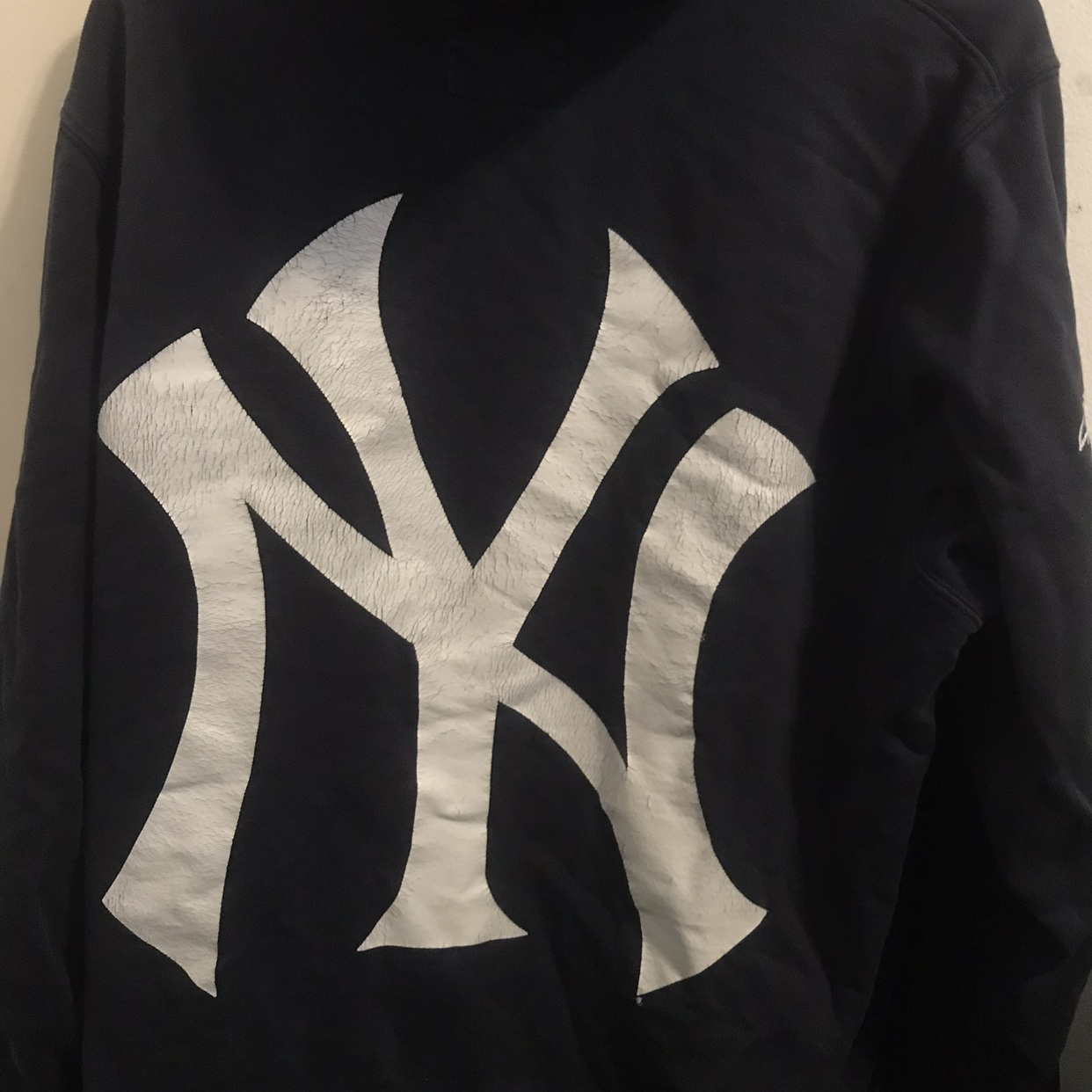 the best attitude bce43 a1b8c 6/10 Supreme New York Yankees Hoodie Lots of life... - Depop