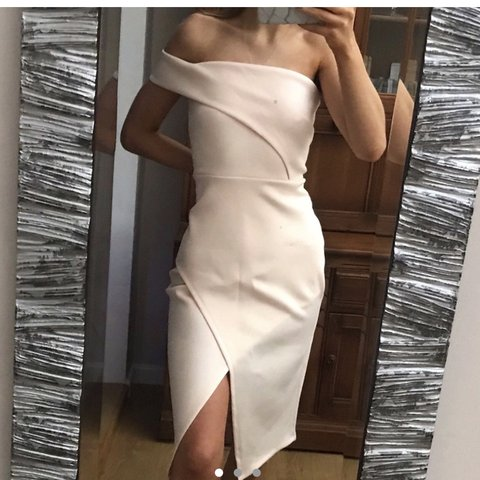 5419fc239c5d Reduced!! BRAND NEE Asos one shoulder nude/pink asymmetric - Depop