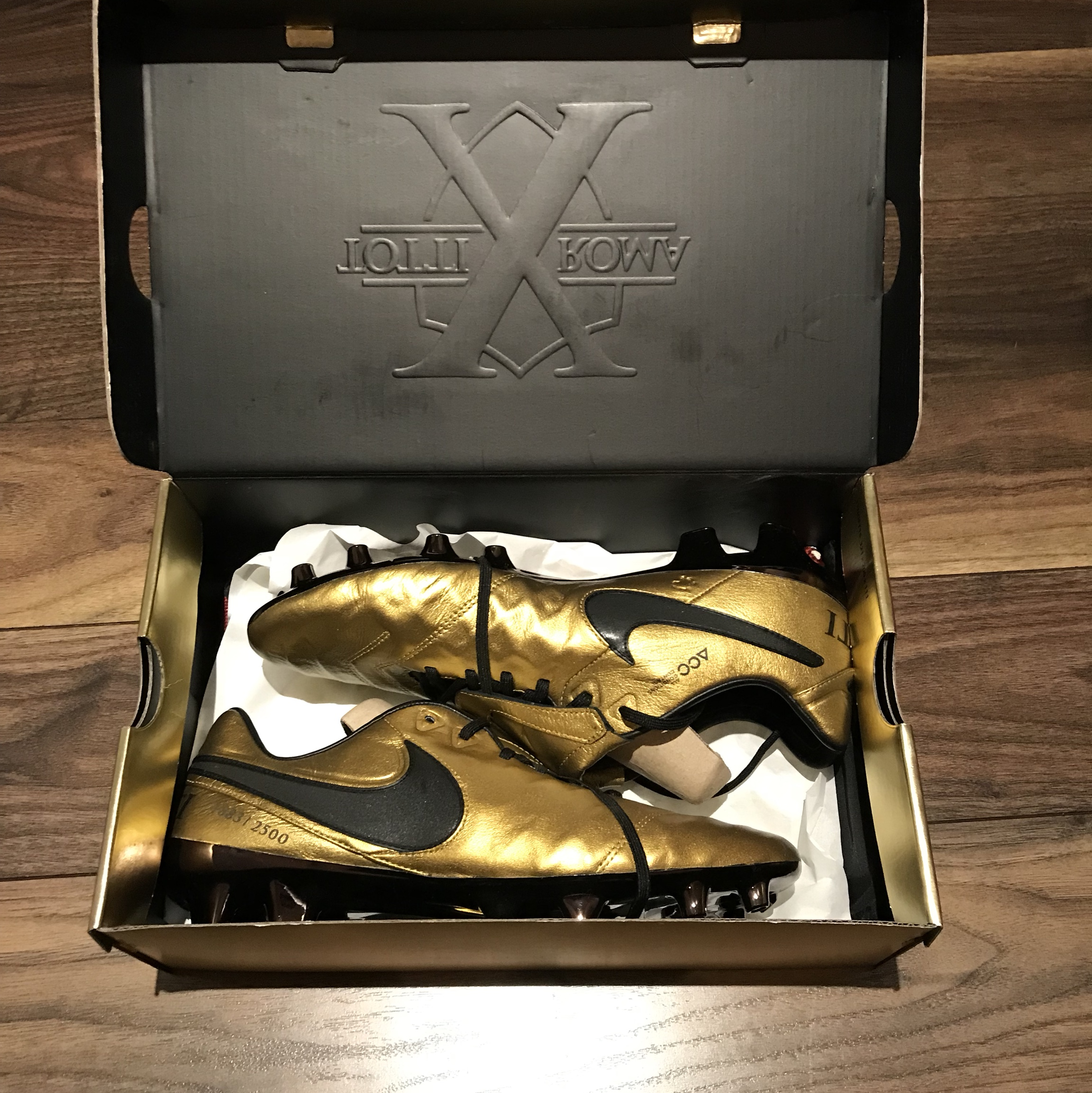 los angeles fdfb4 d03a2 Nike tiempo totti special edition brand new in box... - Depop