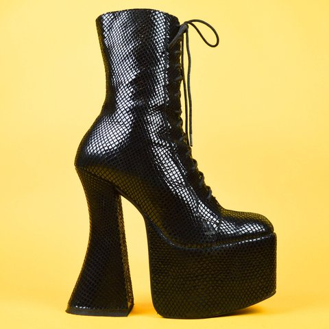 e4c34a5d83d RESERVED Selling my jeffrey campbell andrita boots