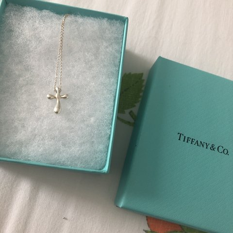 86dc7c8a2 @jaedibella. 4 months ago. United States. Tiffany & Co. Elsa Peretti Cross  Pendent Pendant in sterling ...