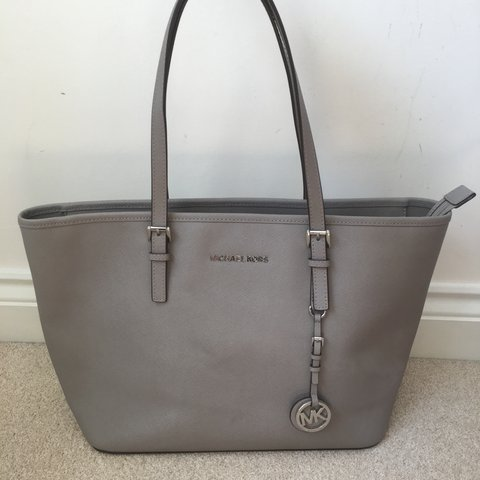 c995fe6ac194 @fayeparkerx. 9 months ago. Telford, United Kingdom. Genuine Michael Kors  grey bag. Original dust ...