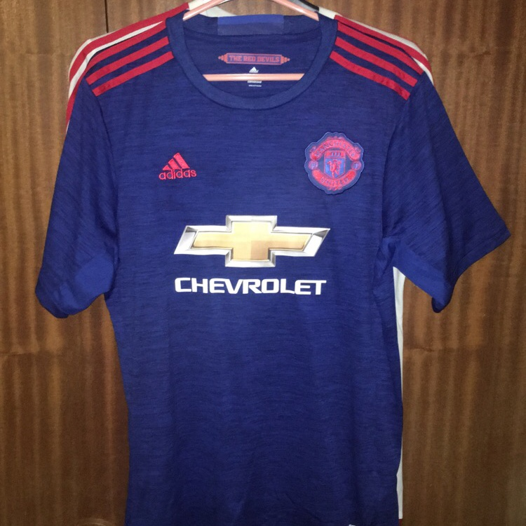 new style eee30 a01f8 TWO Manchester United shirts - Blue is replica of... - Depop