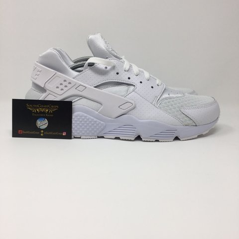 986cba44e8da The cleanest of the huaraches💧 Nike Triple White £70 🔘Size - Depop