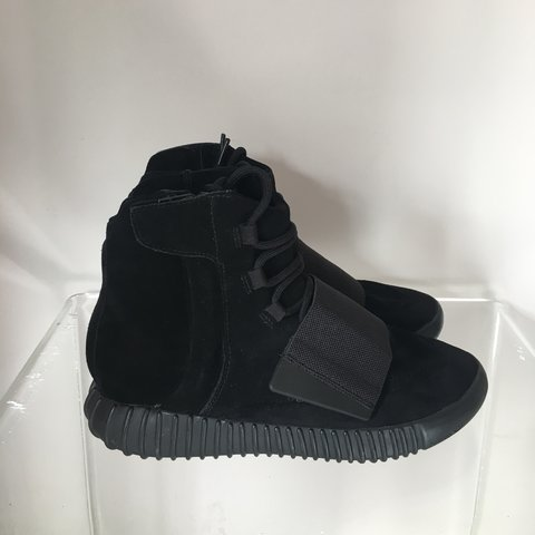 61732a8bc768f Adidas Yeezy boost 750  triple black 🔥 Only tried on Size - Depop