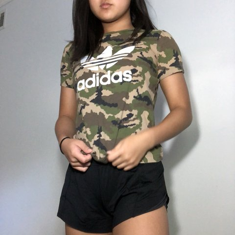 10f19ff68c14e •STILL FOR SALE •Adidas camo t-shirt •Size is in youth - Depop