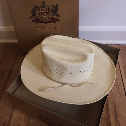 c419d46ce430a5 Free shipping! Authentic vintage Stetson hat in box. Light 7 - Depop