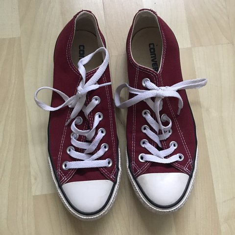 86251732b5ae Converse. Burgundy. Size 6. Perfect condition