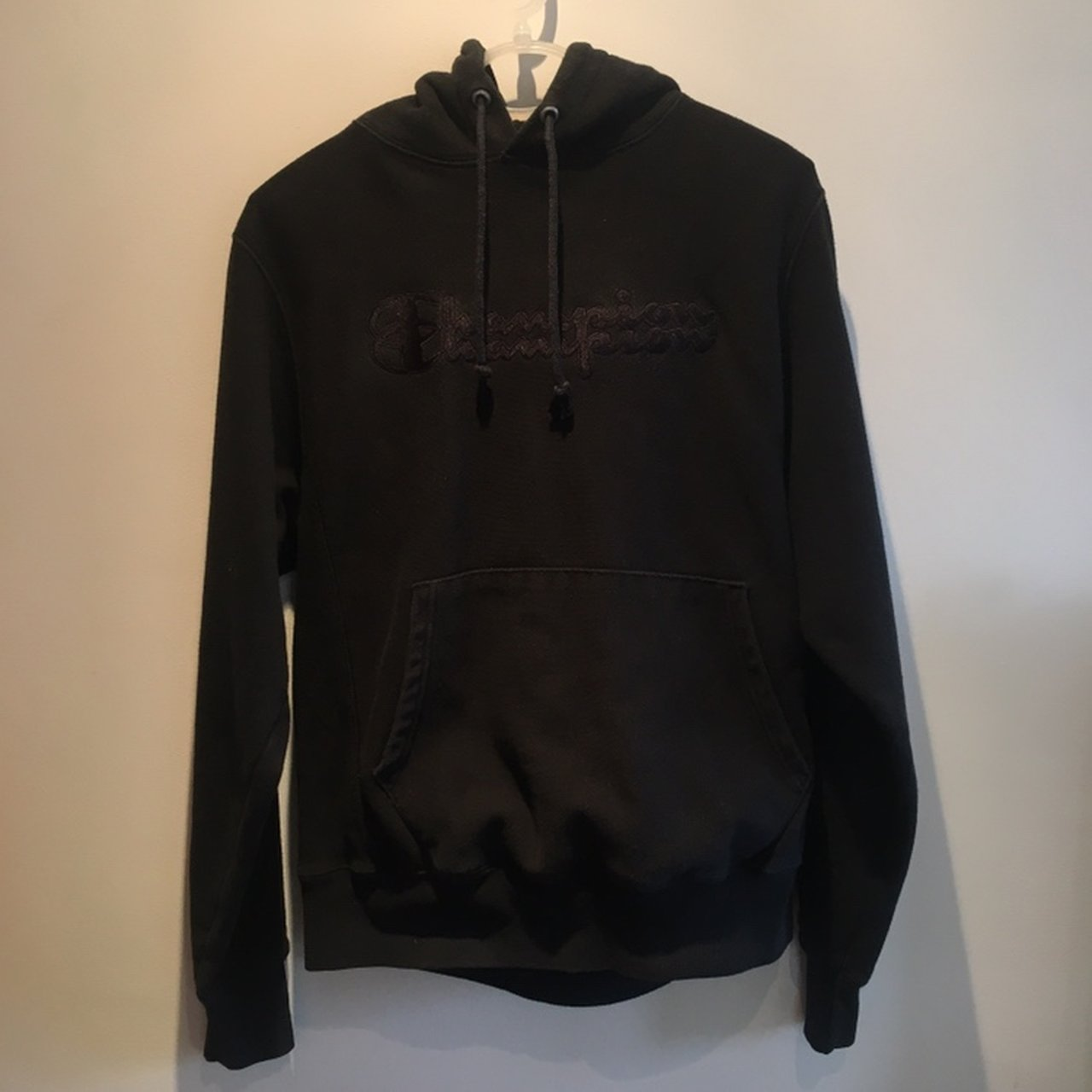 Champion EXCLUSIVE hoodie Size small 57eff72963f2