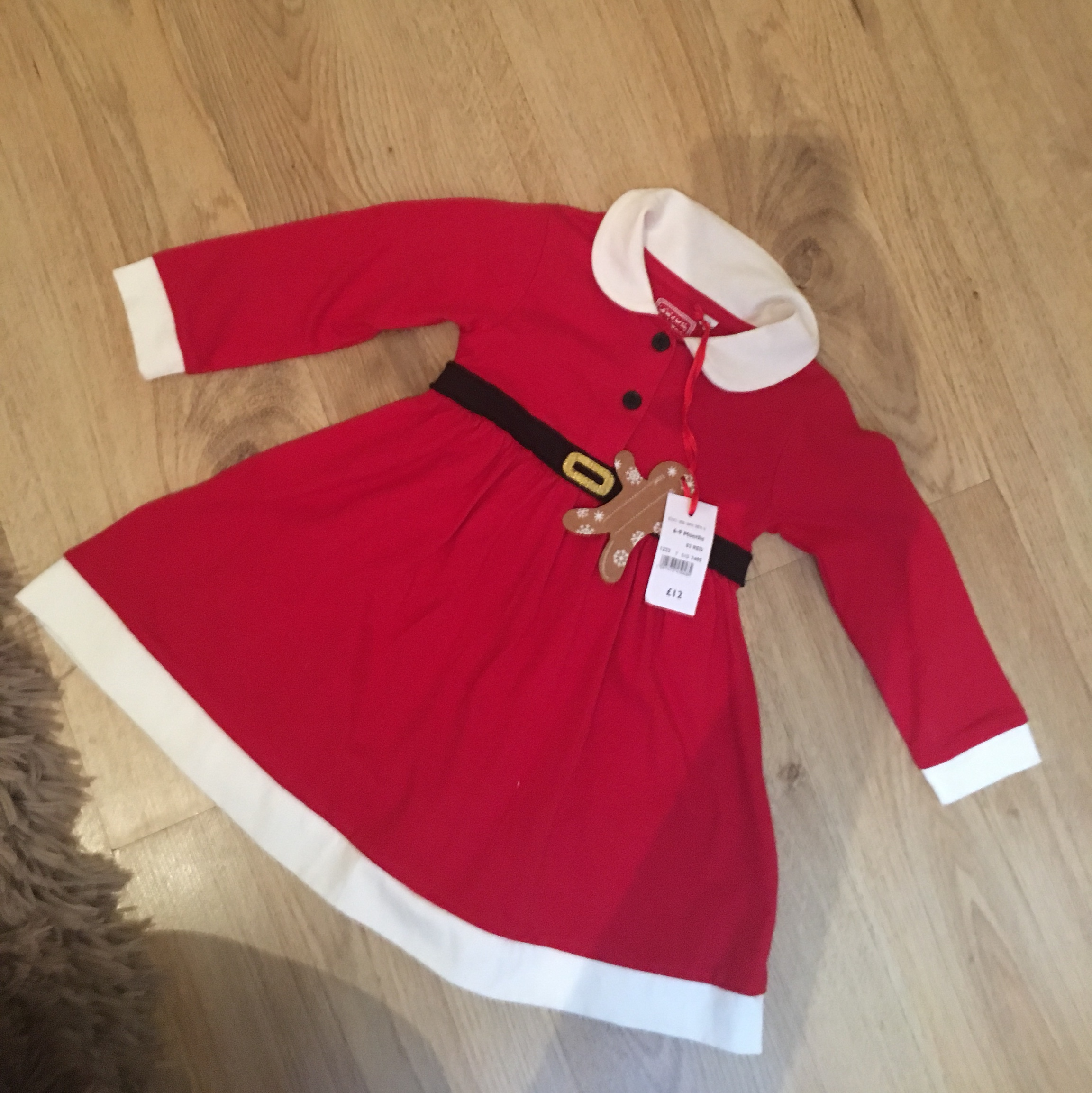 6b6c32903ffd Baby girl's Santa/Mrs Claus dress. Never been worn with from - Depop