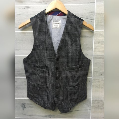 ed8ff198e9e5 @sometimesavowel. 2 years ago. Denver, United States. Men's Merona vest.  Size small. For when you want to dress ...