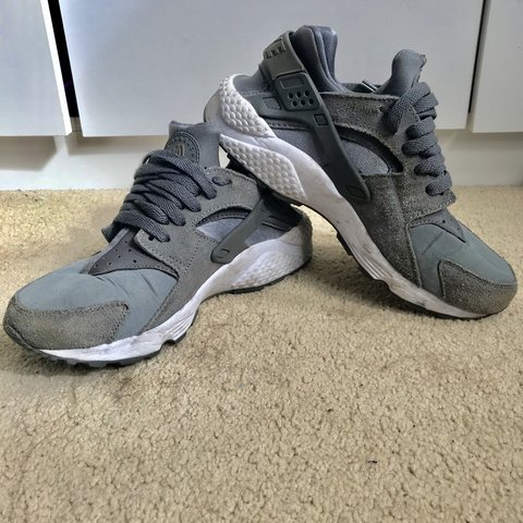 ab35924f692e Nike huaraches. Don t wear them. Grey. Very good condition. - Depop