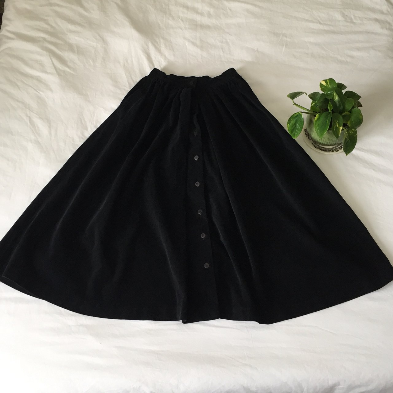 31115a9192 FREE SHIPPING! Vintage Black Corduroy Button Down Midi 100% - Depop
