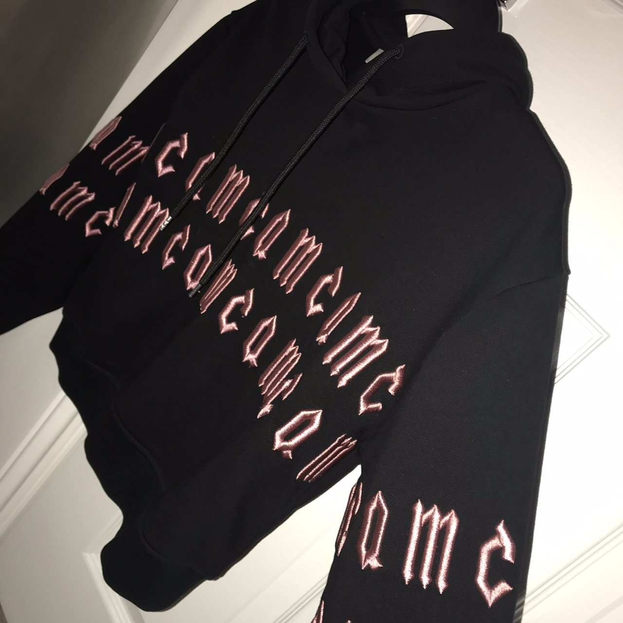 604591b2 Alexander Mc Queen Hoodie W Babypink Writing Only Worn Around 4 Times Size  Small, Would