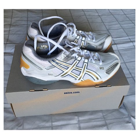 3d588ee57 Brand NEW Asics non marking indoor court shoes! White