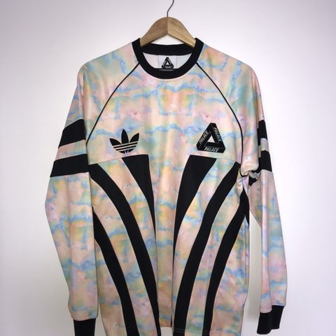 aac41a9eae8 Palace x Adidas Originals graphic goalie in marble F W - - Depop