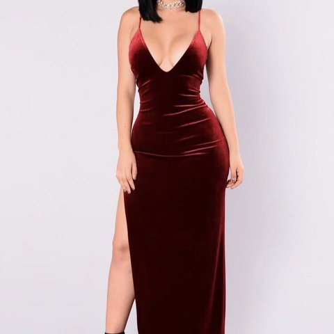 3558e64bd6a BRAND NEW Red Maxi Velvet dress from fashion nova