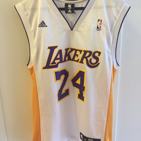 acee4c8abc04 LA Lakers Kobe Bryant Adidas home white jersey. Men s size - Depop