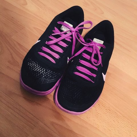 0e14de46c Selling these Nike ID running shoes. They re super comfy but - Depop
