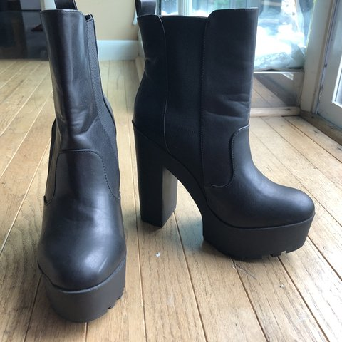 96624d03d Chunky platform boots with 6 inch heels, size 10 by JustFab. - Depop