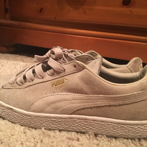 6acbbee2bfc Cream colored puma suede shoes Cream colored laces Size 10 - Depop