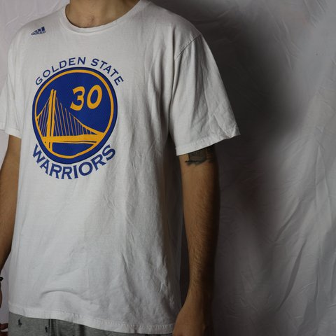 e2795a1217f 🌎💛 GOLDEN STATE WARRIORS X STEPHEN CURRY TEE🌍💛 great for - Depop