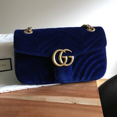 5af247342a157e @saniho. 2 years ago. Hamburg, Germany. Gucci Marmont in blue velvet!