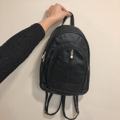 f5a9c0217 @magicjade. 7 months ago. Richmond, United States. Small Vintage black  leather backpack😍