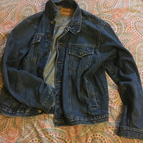 d8a5dc3c2dd0 Primark denim jacket!! Size L and I'm a size 12 so would be - Depop