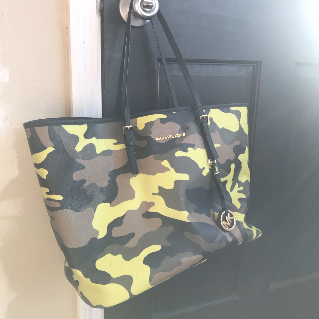Michael Kors camo tote. Barely used comes with dust bag. is - Depop c5efecf22070