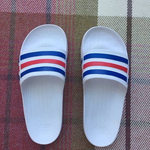 7932f7d61 brand new 10 10 white red and blue adidas slides perfect as - Depop
