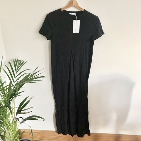 e4afdfa6 @cecilytuesday92. 4 months ago. London, United Kingdom. Zara T shirt Slit  dress. Brand new with tags. Size S.
