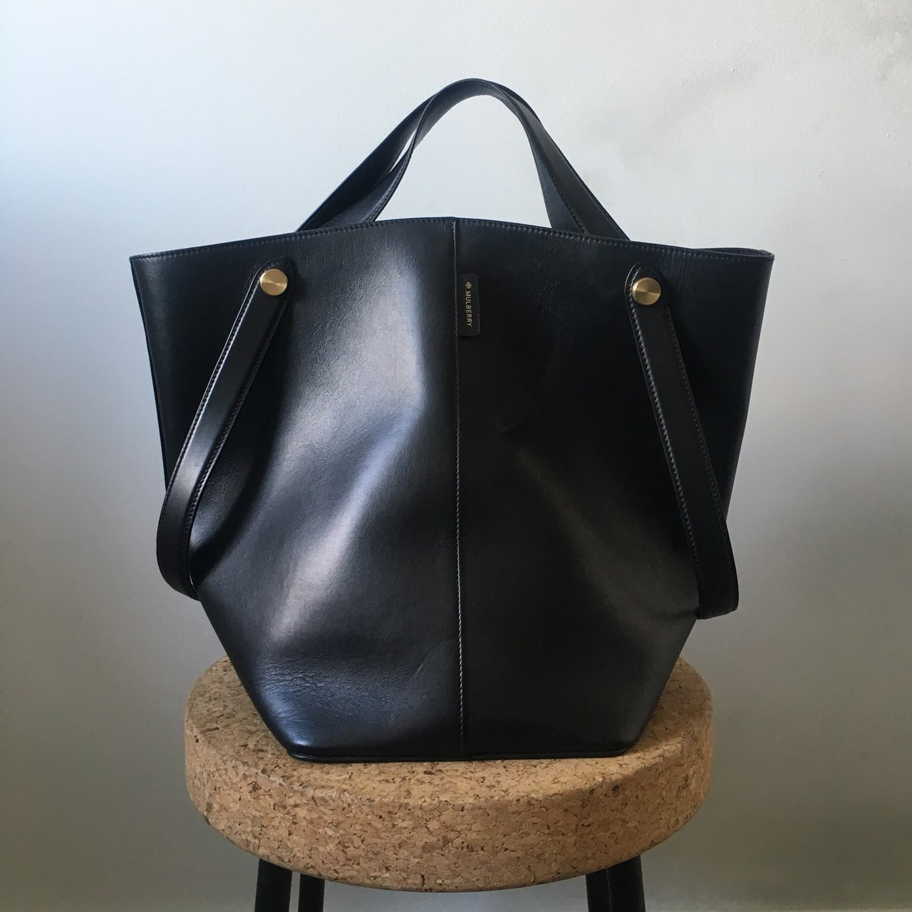 888847afc3 Mulberry  Kite  tote bag in black calf leather. The bag has - Depop
